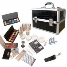Grand kit de maquillage professionnel
